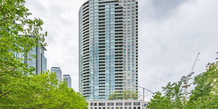 18 Yonge St Suite 1307