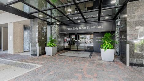 360 Bloor St E Suite 910